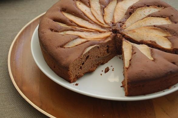 torta-di-pere-al-cioccolato-586x390