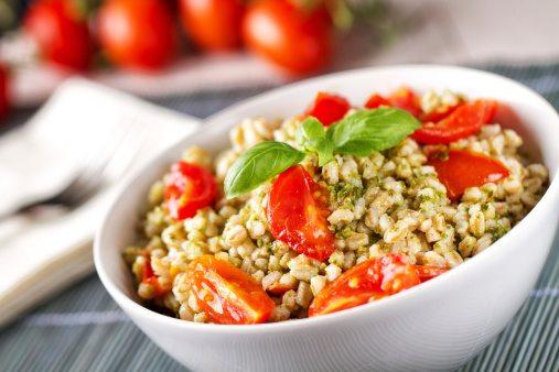 insalata-farro-pesto-pomodorini-anteprima-600x400-939034